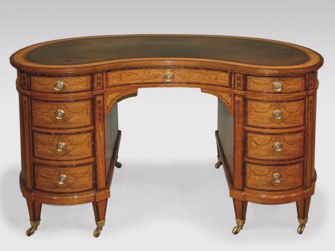A fine quality Edwardian satinwood Kidney Desk boxwood & ebony line inlaid & coromandel wood crossbanded throughout