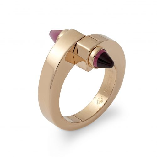 An extremely chic 18ct rose gold and bullet cut cabochon garnet ring, MENOTTE by CARTIER, numbered BO6871, made in France circa 1990