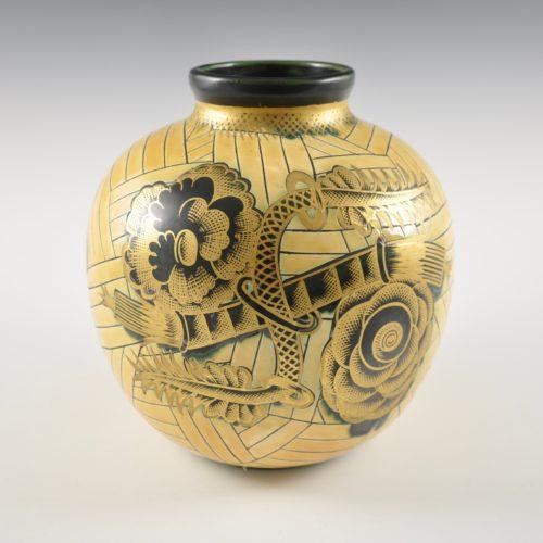 Globular vase with gold decoration by Giò Ponti for Richard Ginori, Milan 1930s