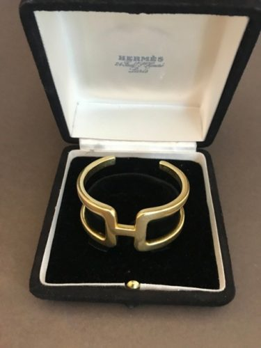 HERMES 18k gold bangle in original box, marked Hermes.